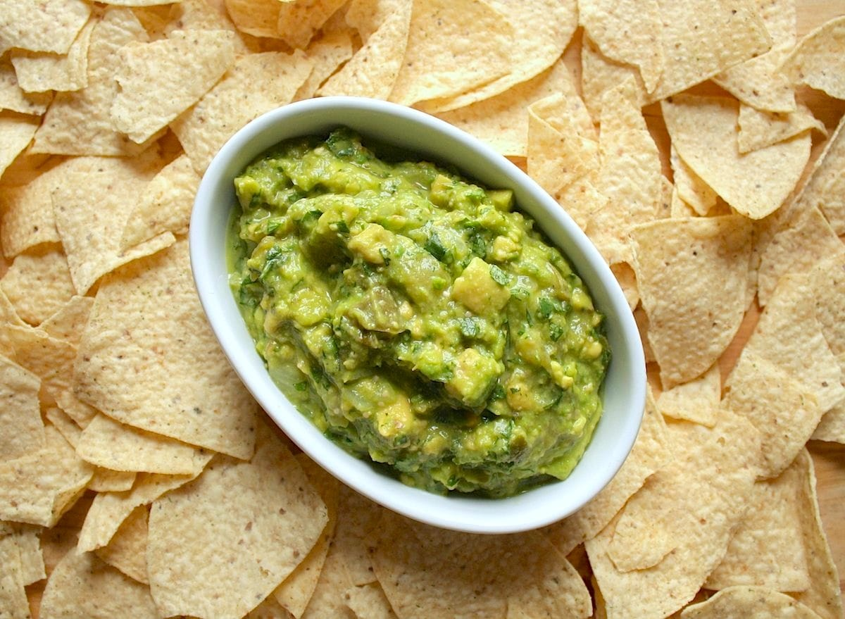 Roasted Tomatillo Guacamole | The Hungry Hutch