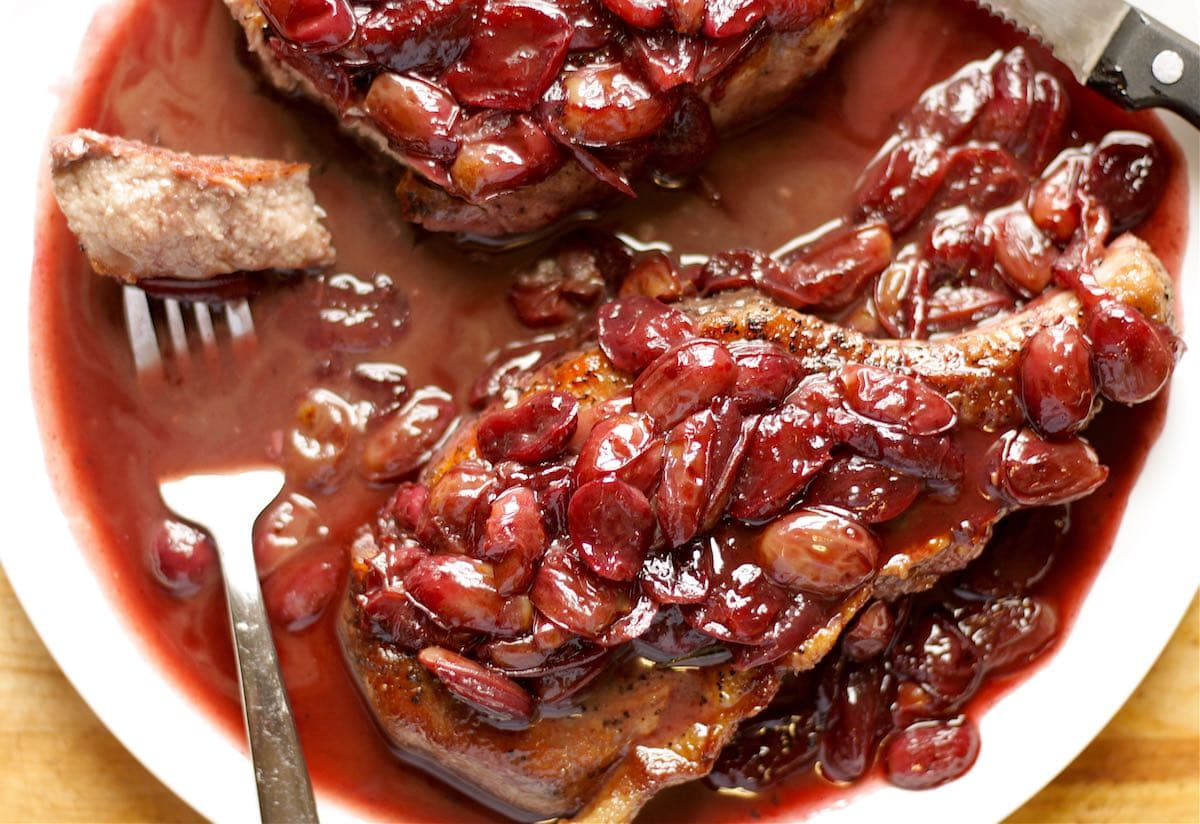 Pork Chops with Red Wine and Grape Sauce