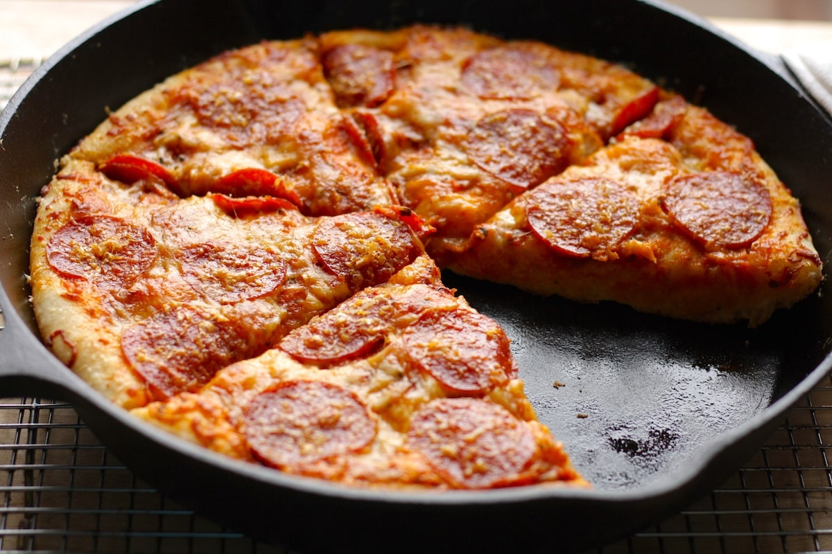Cast Iron Skillet Pizza Recipe The Hungry Hutch