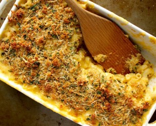 Macaroni and Cheese with Parmesan Breadcrumbs